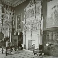 Burton Agnes Hall, the Entrance Hall - HLS05716