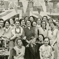 Celebrating the Silver Jubilee at Dawsons Albion Mill 1935 - MOT00411