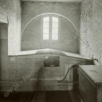 Cromwell's  Vault, Newburgh Priory - HLS05875
