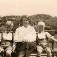Philip, Ada Mary and Maurice Longbottom. - HOL00153