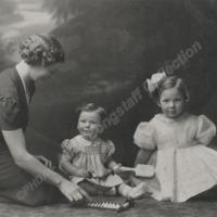 Irene Culpen and Children - ALC04530