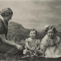 Irene Culpen and Children - ALC04531