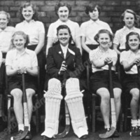 Roomfield School, Todmorden, Girls' Hockey Team  - TAS001264