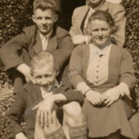 Longbottom Family - HOL00145